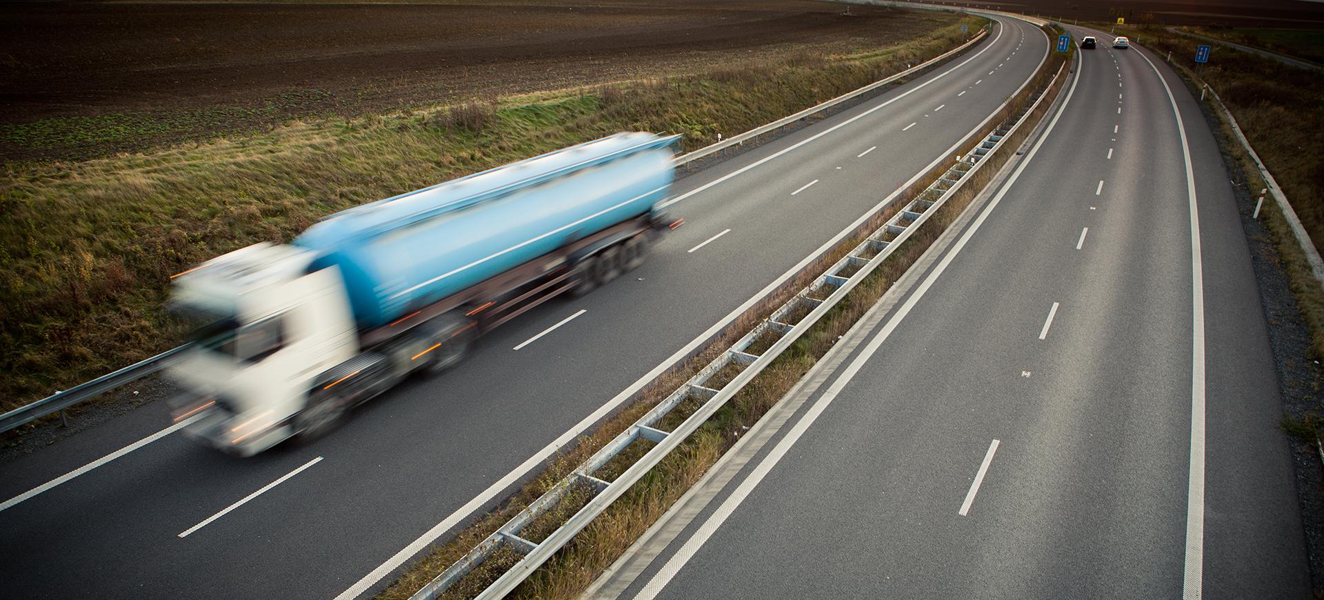 truck estrada transpiraja